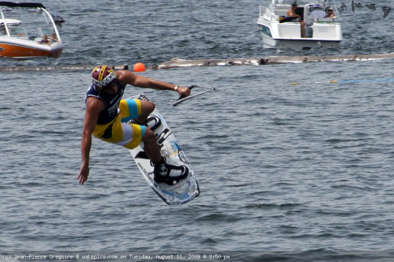5628_crp_wb-wakeboarding-wakeskating-photos.jpg