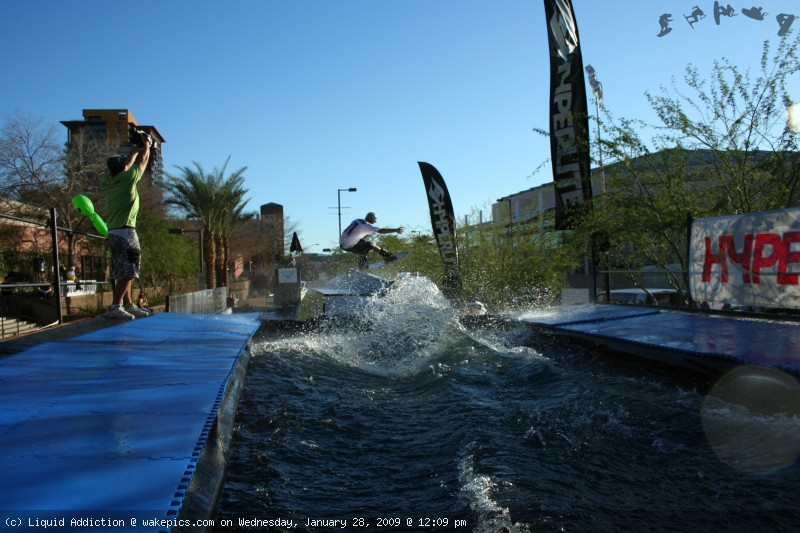 9-wakeboarding-wakeskating-photos.jpg