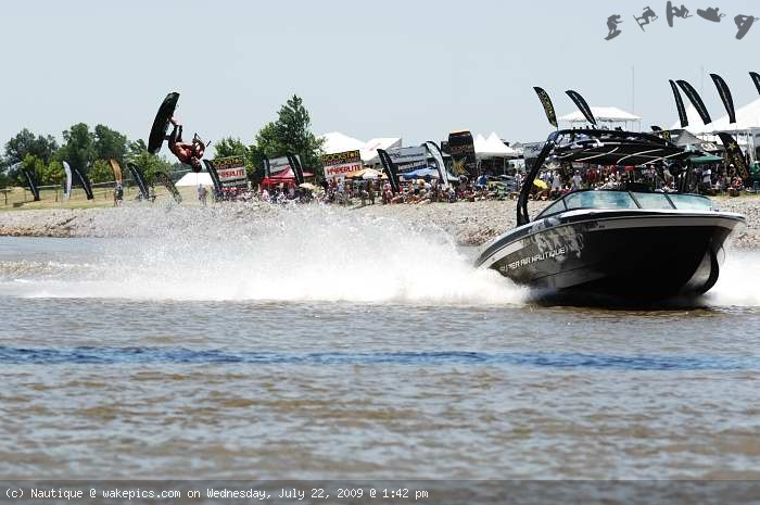 dan-harf_1846-wakeboarding-wakeskating-photos.jpg
