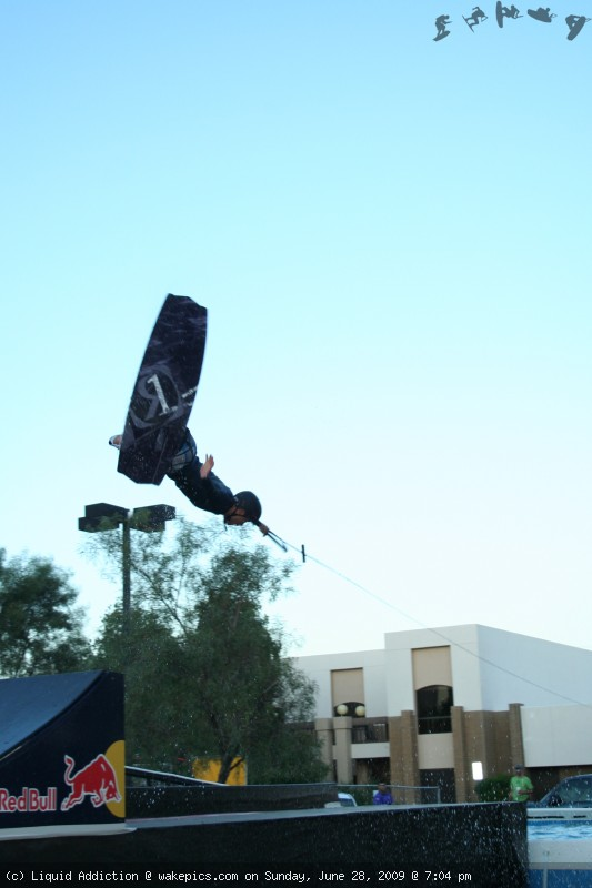 img_3717-wakeboarding-wakeskating-photos.jpg
