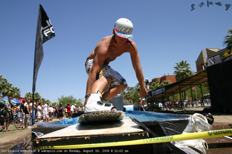 img_6546-wakeboarding-wakeskating-photos.jpg
