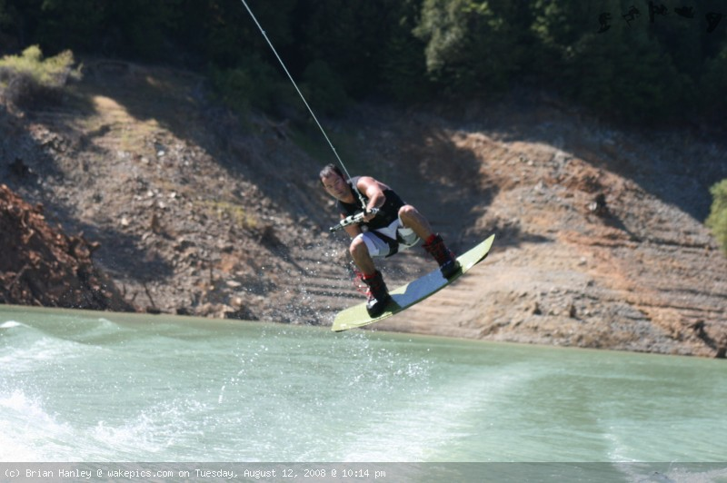 img_7817-wakeboarding-wakeskating-photos.jpg