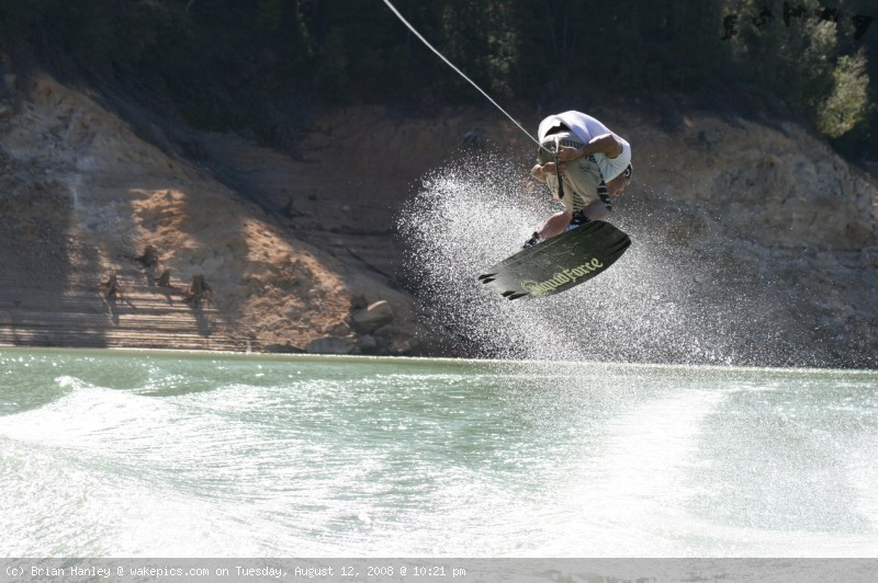 img_7834-wakeboarding-wakeskating-photos.jpg