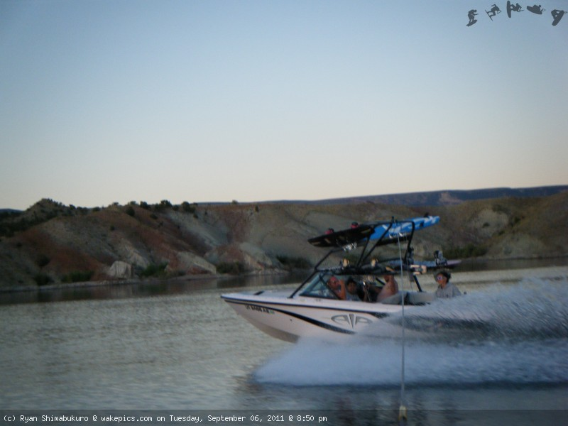 sanboatshot2-wakeboarding-wakeskating-photos.jpg