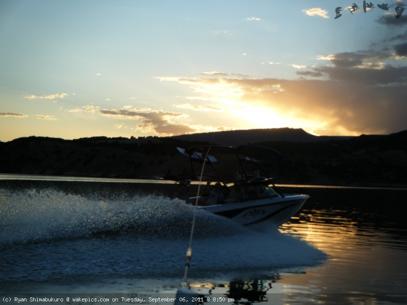 sansunset-wakeboarding-wakeskating-photos.jpg
