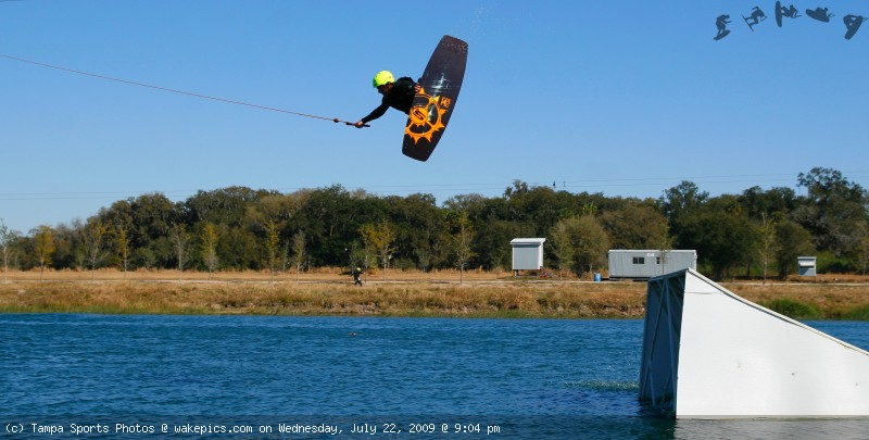 tampa_wakeboard_1129-wakeboarding-wakeskating-photos.jpg
