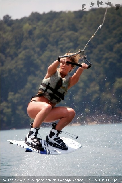 wake-board-wakeboarding-wakeskating-photos.jpg